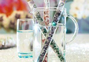 Verschiedene Wasserstäbe in einem Glas